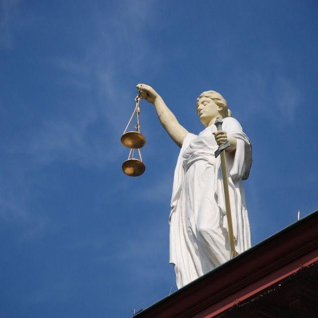 检察官、警察、律师的工作体验分别是怎么样的?