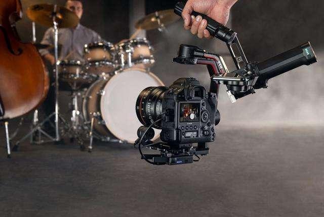 大疆军火公司再发新激光摄像系统,一瞬间感觉离科幻片的世界好近