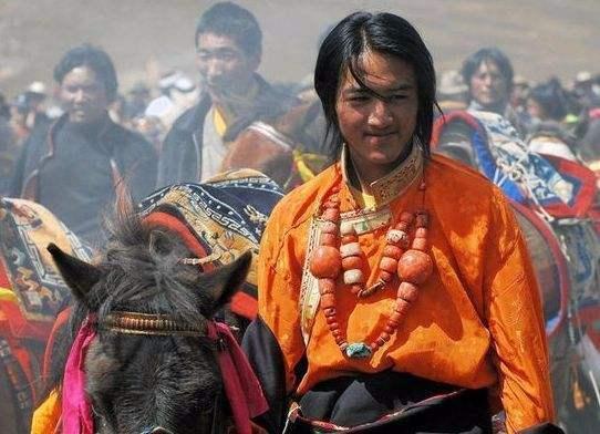 藏族男人的科目三,真的不简单