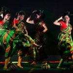跳舞印度美女人体艺术摄影