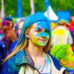 彩色跑运动女孩人体艺术摄影