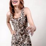 开怀大笑豹纹美女人体艺术摄影