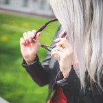 时尚眼镜金发美女人体艺术摄影