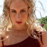 乌克兰淡妆美女人体艺术摄影