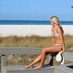 俄罗斯海滩美女人体艺术摄影
