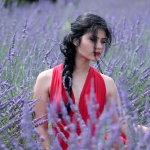 花海气质美女写真人体艺术摄影