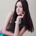 俄罗斯美女长发发型人体艺术摄影