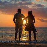 黄昏海边情侣唯美意境人体艺术摄影