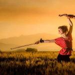 跳舞小提琴女生人体艺术摄影