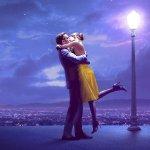 情侣相拥亲吻夜景人体艺术摄影