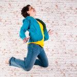 人跳跃人体艺术摄影