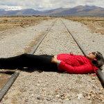卧轨自杀人体艺术摄影