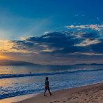 一个人在海边人体艺术摄影