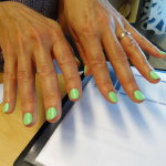 绿色清新美甲人体艺术摄影