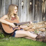 弹吉他女孩人体艺术摄影