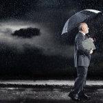 雨天撑伞人体艺术摄影