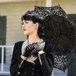 撑伞女人人体艺术摄影