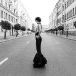 黑白街拍性感美女人体艺术摄影