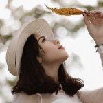 日系小清新文艺美女户外踏青自然养眼图片
