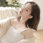 白皙冷艳少妇甜美火辣酥胸美乳清纯诱人写真