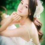 郑媛元室内婚纱礼服写真展甜美笑容