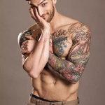 欧美英文纹身花臂帅气帅哥素材图片